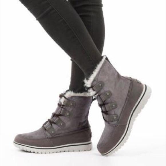 Sorel Cozy Joan Boot Quarry Size 9